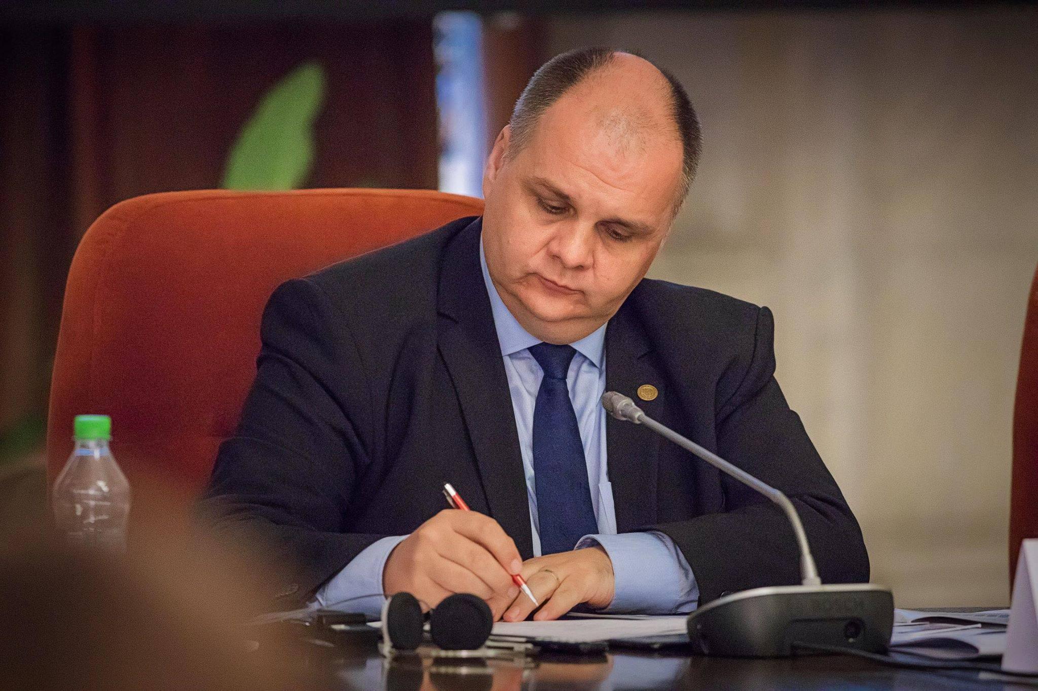 """Dr. Florin Buicu: """"Un popor sănătos și educat este greu de manevrat"""""""