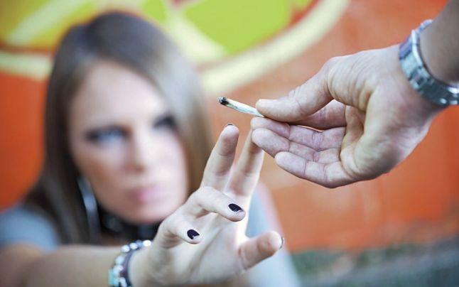 Workshop-uri pentru prevenirea consumului de alcool, tutun, droguri și dependența digitală în rândul tinerilor