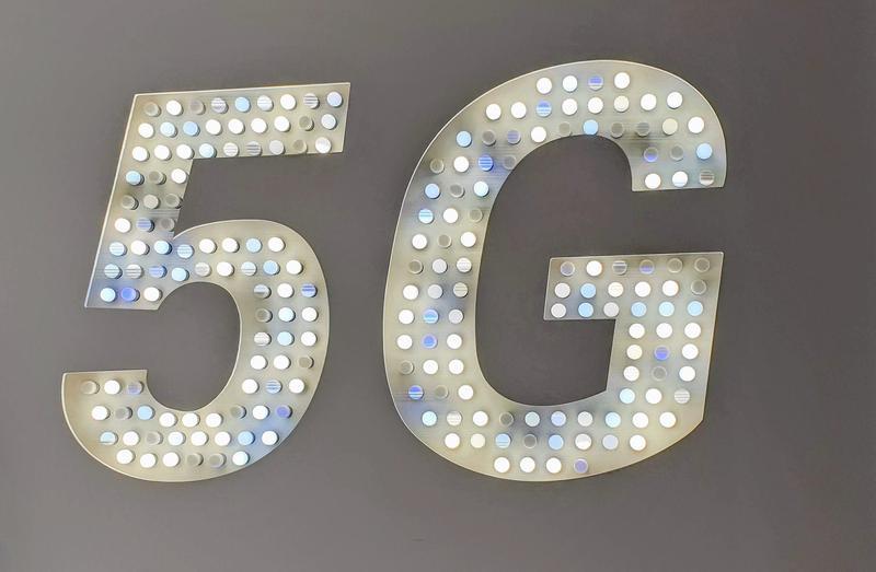Marș de conștientizare a opiniei publice cu privire la pericolele generate de implementarea tehnologiei 5G