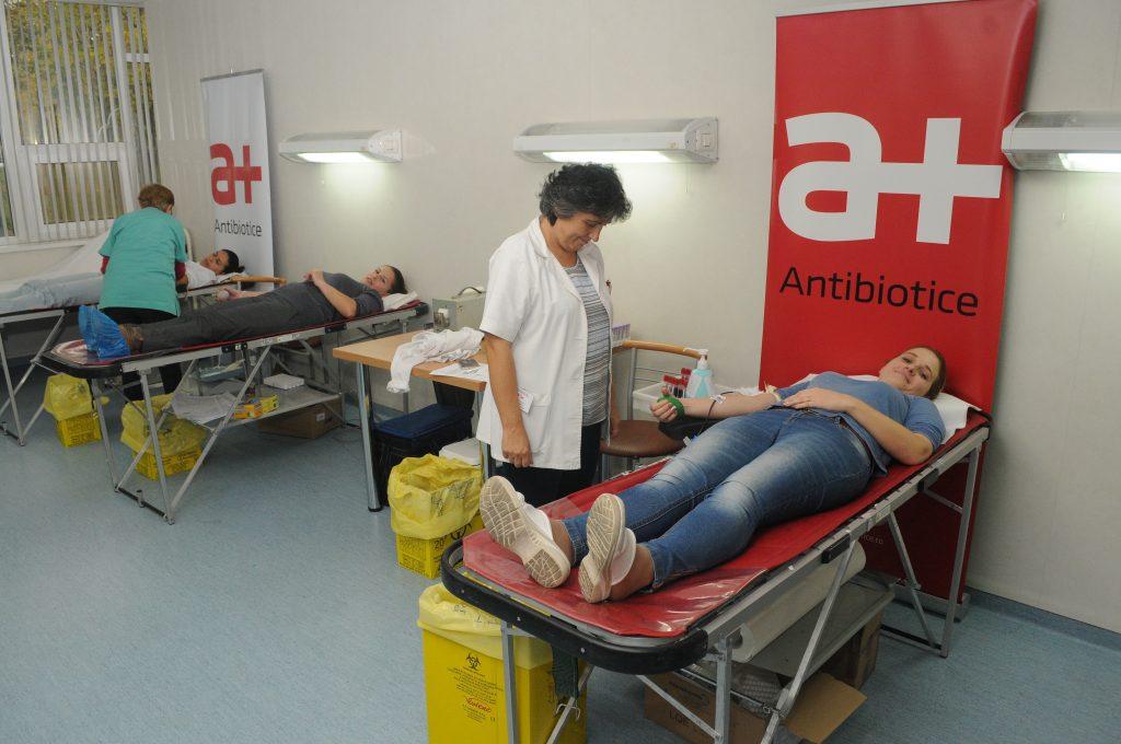De 9 ani angajații Antibiotice donează sânge: 60 donatori, 30 litri de sânge donaţi, mai mult de 130 vieţi salvate